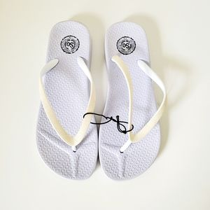 So Womens New White Sandals Size 5-6